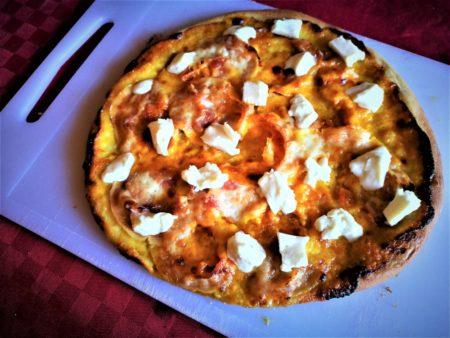 pizza stracchino zafferano pancetta cotta