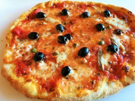 Pizza capperi e olive