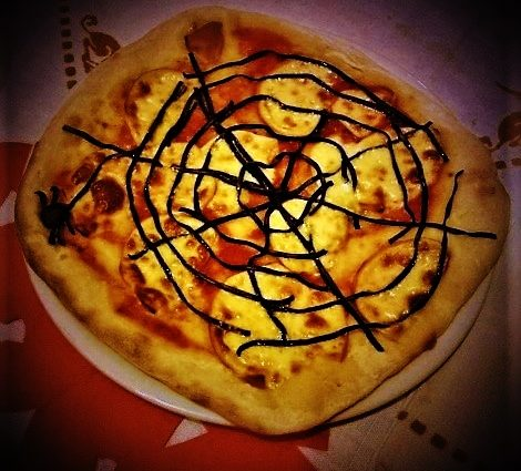 una pizza da paura la pizza di halloween